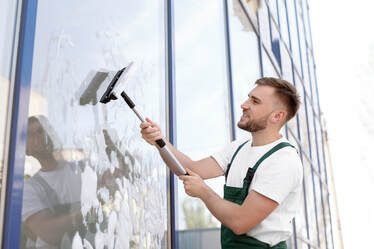 South Shore Window Cleaning - When Should You Clean Your Outside Windows